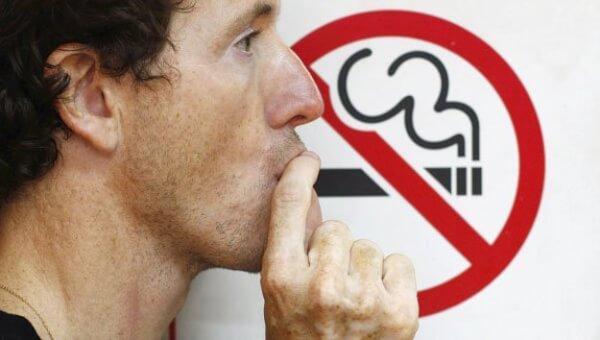1455599855_habarovskiy-kurilschik-predpochel-sigarety-zakonu